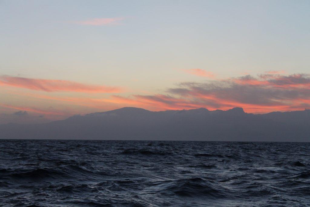 Solnedgang ved ankerpladsen ved Nieves