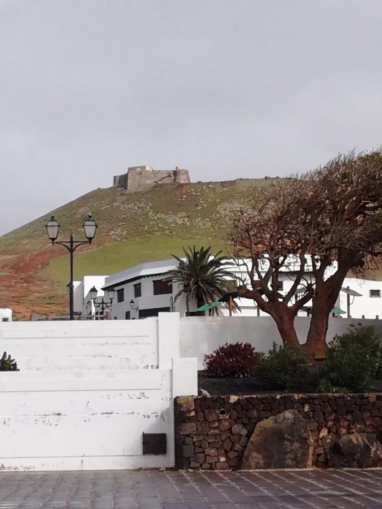 Castillo de Santa Barbara = Sørøvermuseum