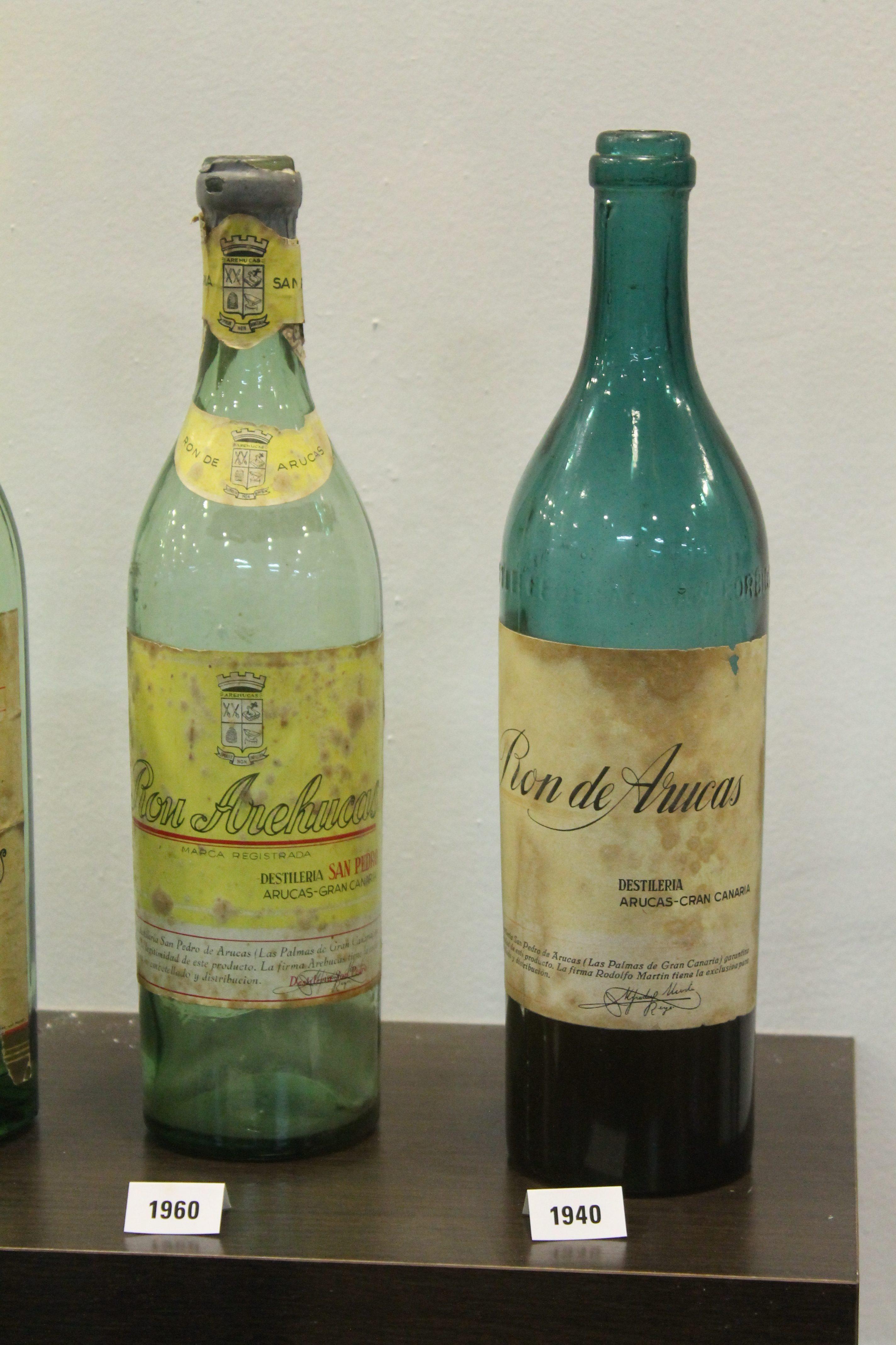 De første rom flasker