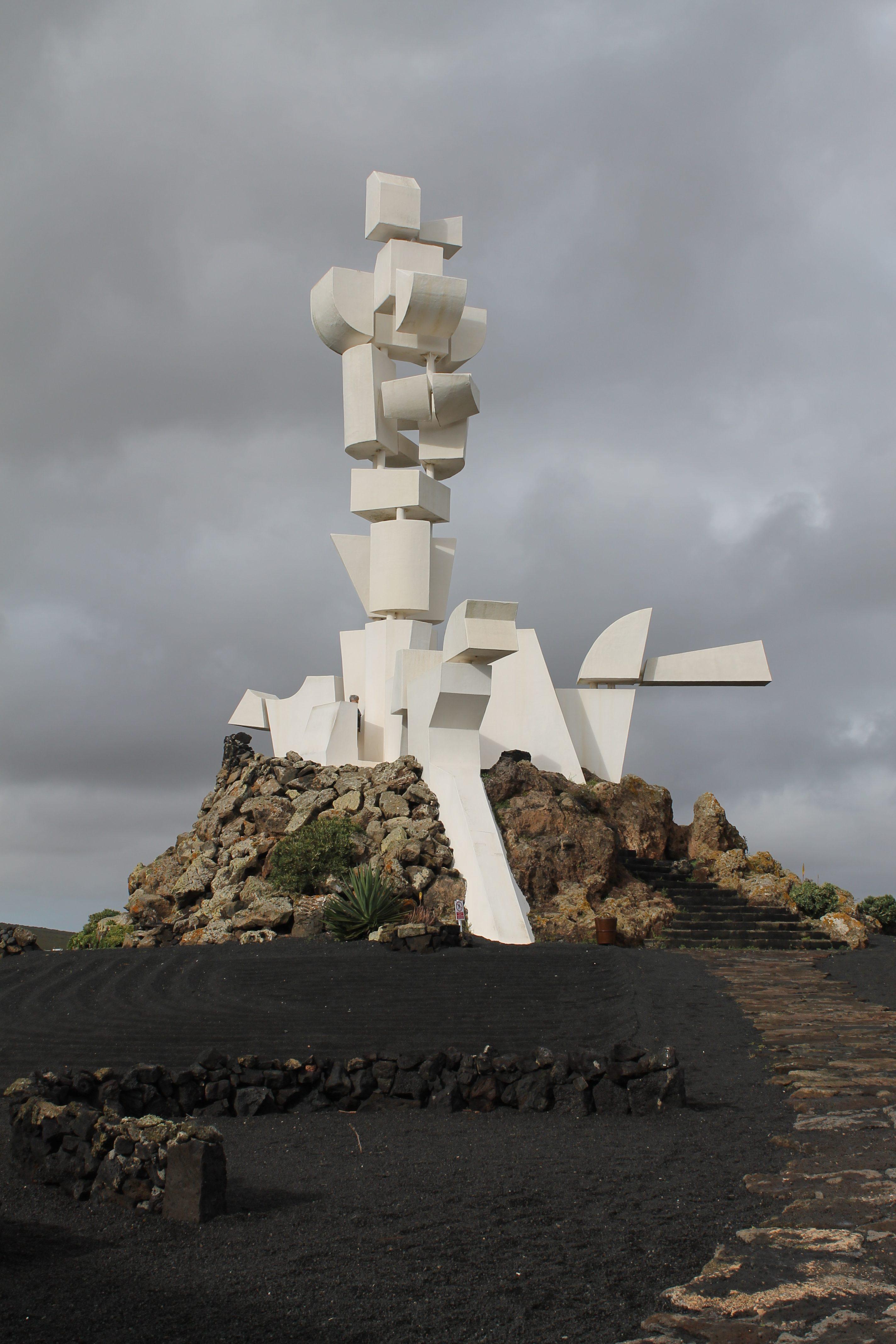 Skulptur af Cáesar Manrique